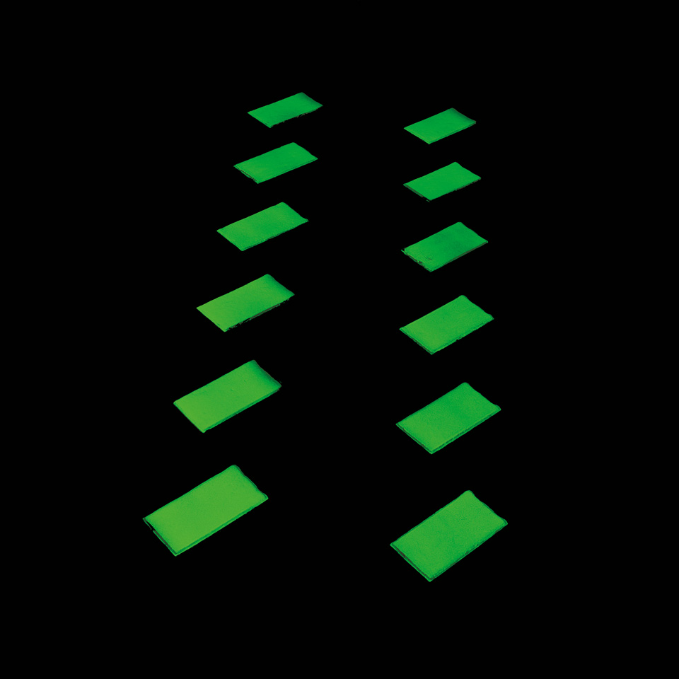 Glow_in_the_dark_Middel